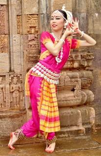 インド舞踊 三浦知里2.jpg